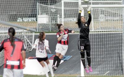 """Christiane Endler critica el trato hacia el fútbol femenino en Chile: """"No hay respeto"""""""