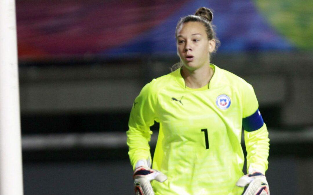 """Christiane Endler: """"No hay respeto hacia el fútbol femenino en Chile"""""""